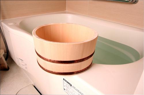 風呂 風呂桶 : 香りが素敵な檜の風呂桶を購入 ...