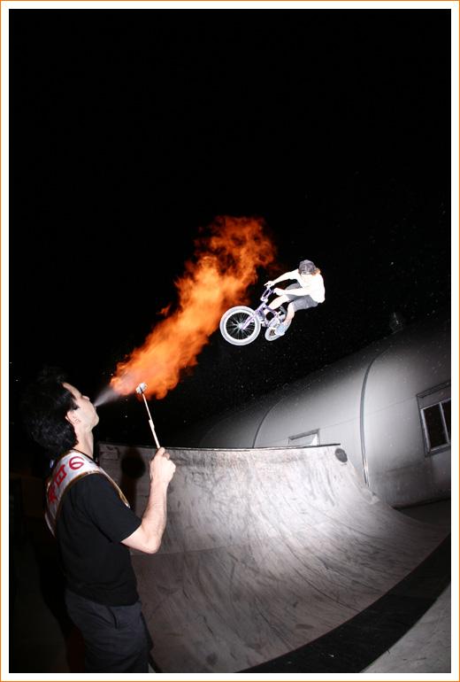bmxfire01.jpg